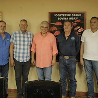 Blandón se reunió con productores ganaderos