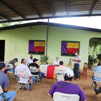 Blandón se reúne con miembros del partido en La Villa de Los Santos